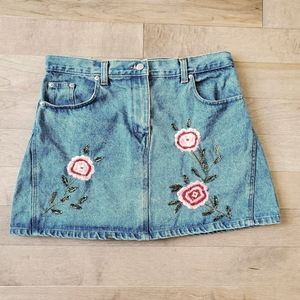 Le chateau embroidered denim skirt